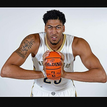 Anthony Davis defends Pelicans' supporting cast